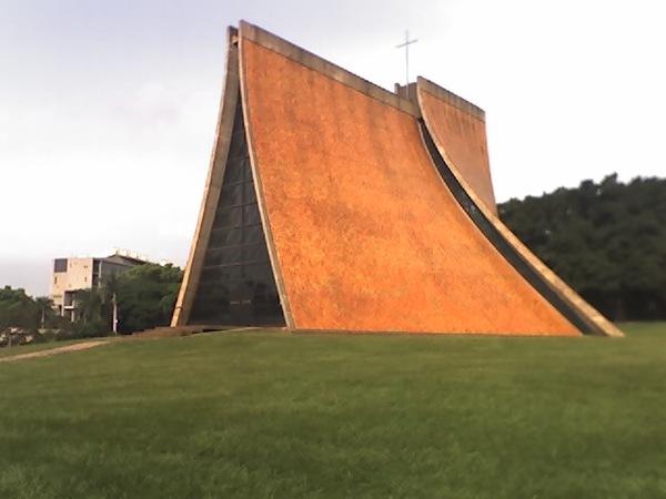 東海路思義教堂