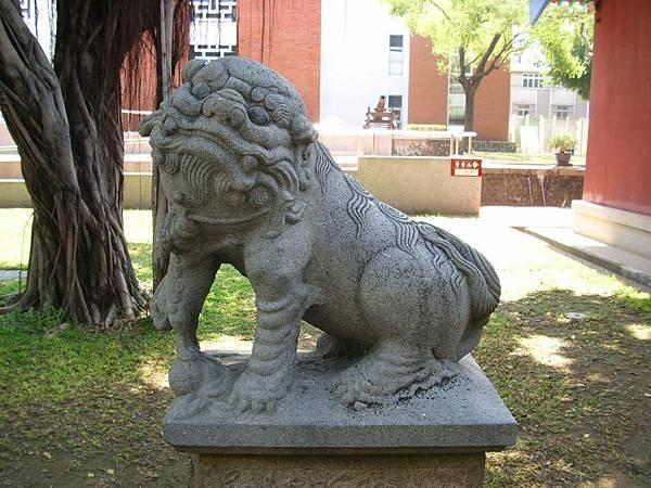 門口石獅(1)