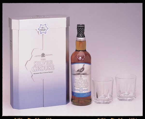 銀雀12年純麥威士忌0.7L禮盒.JPG