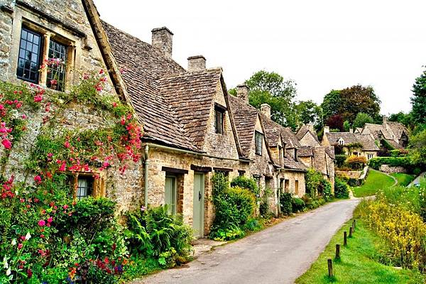 Cotswold-premier-cottages-1200x799