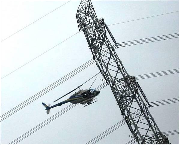 3.3.12 直升機 001