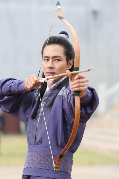 趙寅成個人射箭.JPG