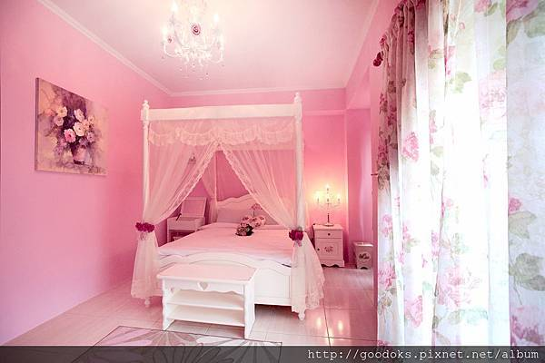 1-粉紅公主雙人房-2
