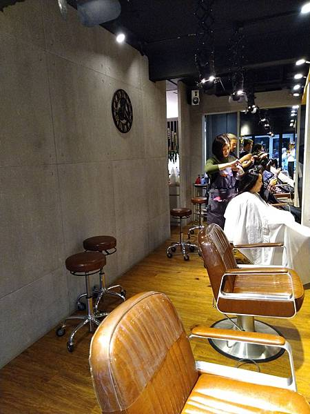 CINCO美髮2店內裝 (5).jpg