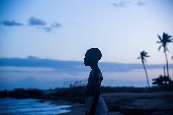 月光下的藍色男孩1