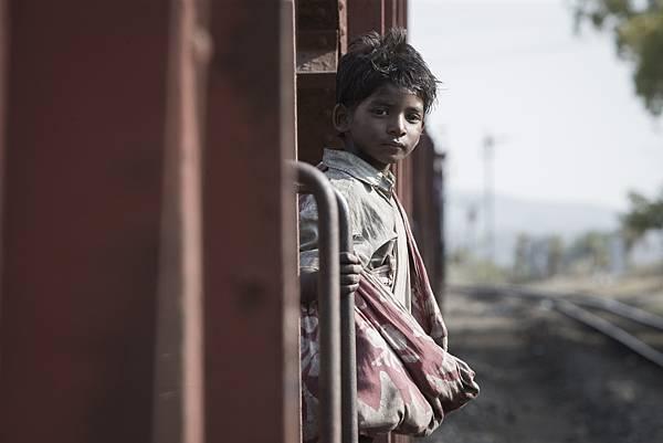 天才童星桑尼帕瓦在《漫漫回家路》中嶄露頭角