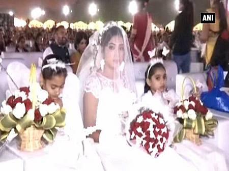 印度鑽石商為236名無父貧女辦婚禮