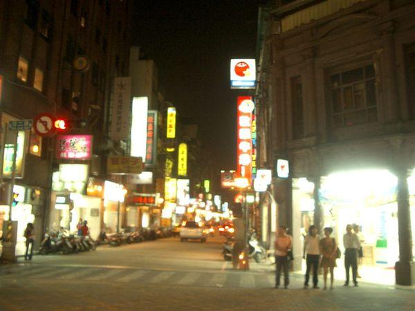IMGP5792熟悉的義二路街景.JPG
