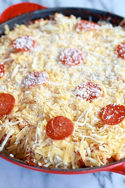 Skillet-Baked-Pasta-with-Gouda-Cheese-2