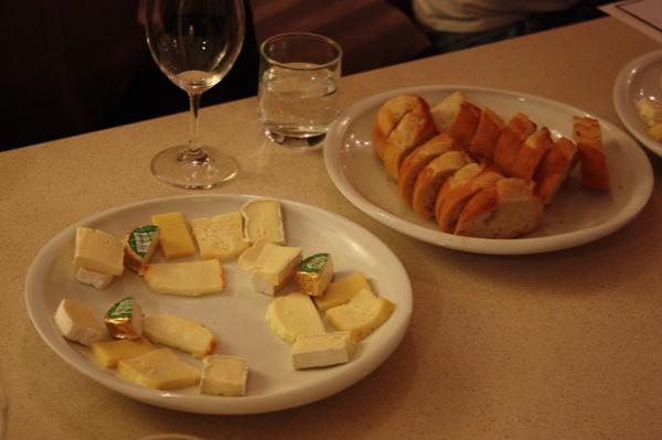 美味的乳酪與麵包.JPG