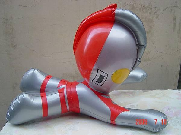 鹹蛋超人-49cm.JPG