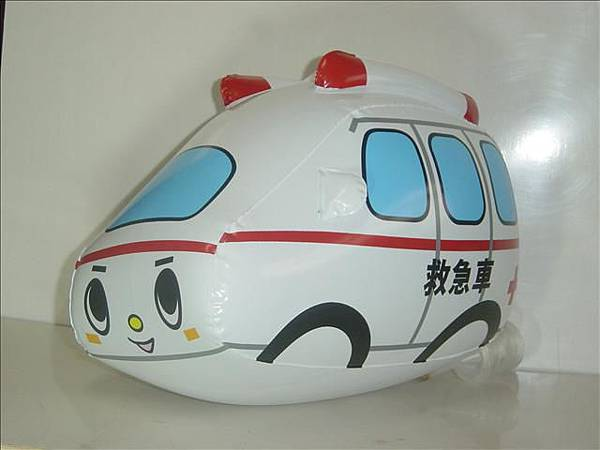 Q版救護車~長28cm,寬15cm