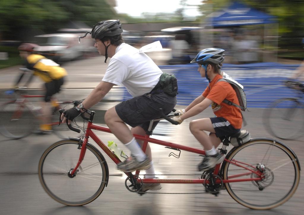 cycling-659780_1920.jpg