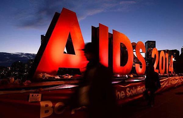 在台灣每四小時就有一人感染愛滋
