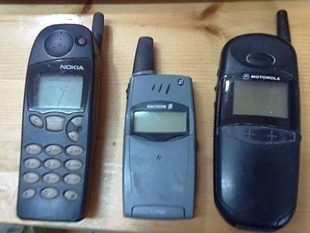 Nokia 5130、ERICSSON T28sc、Motorola cd928+