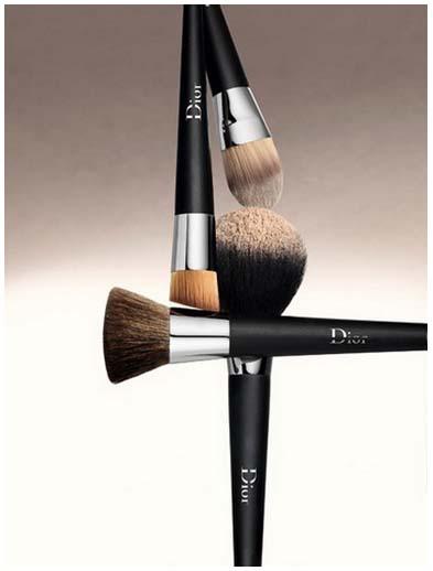Dior 輕透光裸膚底妝
