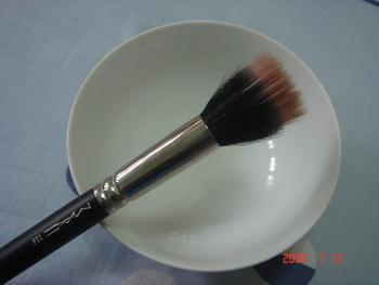 大創粉撲清潔劑