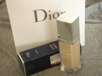 Dior光柔礦物水粉底030
