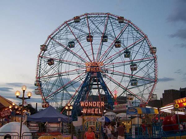 Brighton 造訪開放式遊樂園