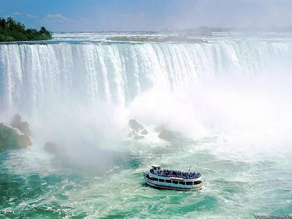 1.到尼加拉瓜瀑布,搭乘霧中少女號