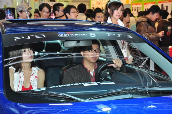 玩家親自駕車 搶先體驗最新GT5.jpg
