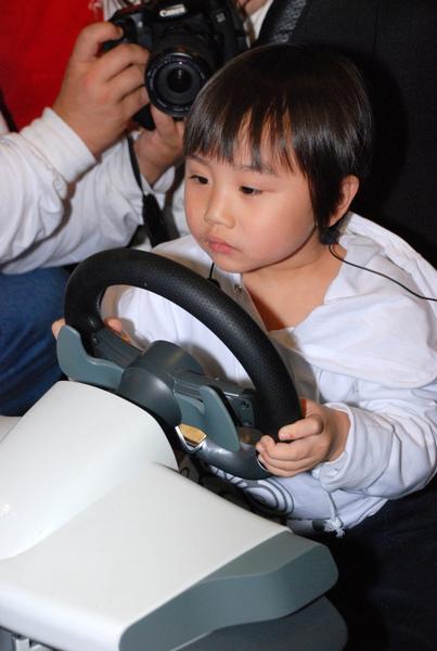 超人氣小童星小小彬 現身Xbox360兒童樂園.JPG