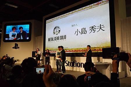 《魔物獵人 攜帶版 3rd》製作總監辻本良三與《潛龍諜影:和平先驅》總監小島秀夫1P1120206.JPG