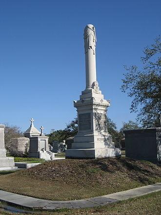 Hennessy1軒尼斯警官紀念碑