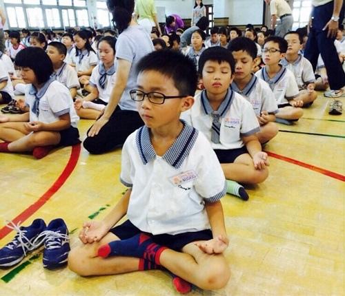 禪坐姿勢練習腹部呼吸