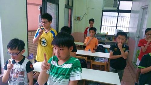『一指禪』功法,讓孩子們專注在食指尖