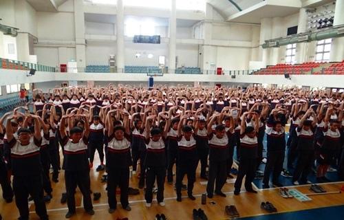 結合一年一度的優質化閱讀活動,總共600位同學舉辦兩場的禪坐體驗1