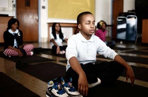 在學校裡教「壞」孩子們如何冥想