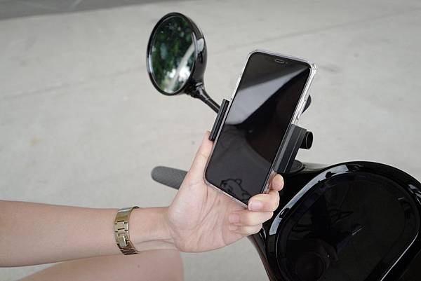 gozilla-狗吉拉-gogoro2-gogoro-車牌強化保護-手機架-加長前土除-皮革鑰匙保護套-s2-delight-deluxe-plus-051.jpg