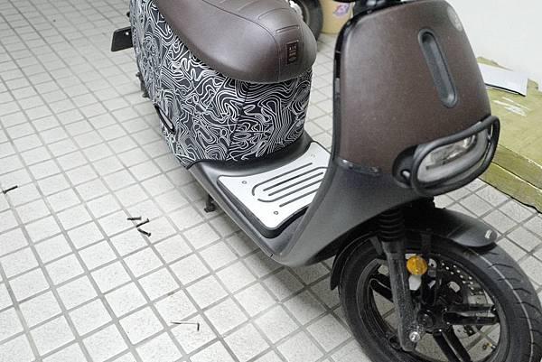 gozilla-狗吉拉-gogoro-s2-cafe-racer-delight-平面鋁合金踏板-車牌框-手機架-補助-價格-29.jpg