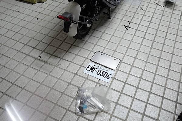 gozilla-狗吉拉-gogoro-s2-cafe-racer-delight-平面鋁合金踏板-車牌框-手機架-補助-價格-35.jpg