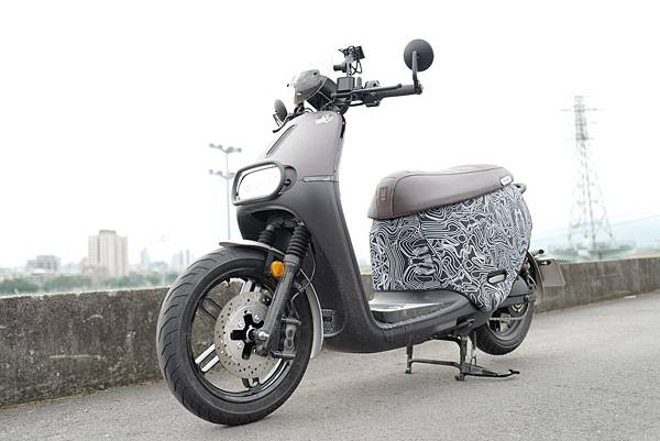 gozilla-狗吉拉-gogoro-s2-cafe-racer-delight-平面鋁合金踏板-車牌框-手機架-補助-價格-54.jpg