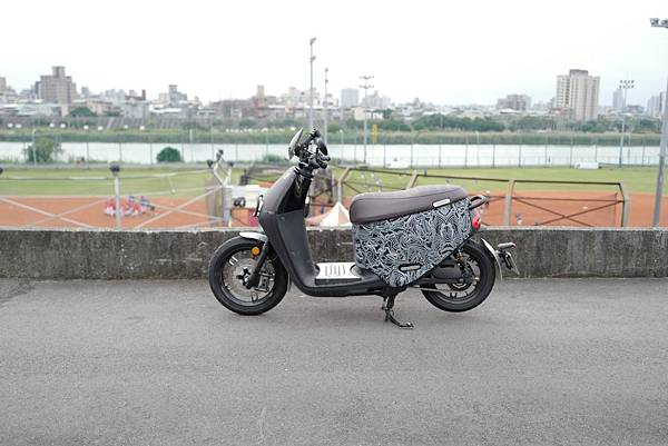 gozilla-狗吉拉-gogoro-s2-cafe-racer-delight-平面鋁合金踏板-車牌框-手機架-補助-價格-52.jpg