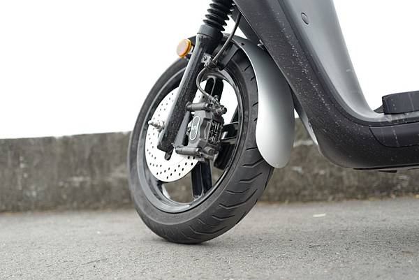 gozilla-狗吉拉-gogoro-s2-cafe-racer-delight-平面鋁合金踏板-車牌框-手機架-補助-價格-65.jpg