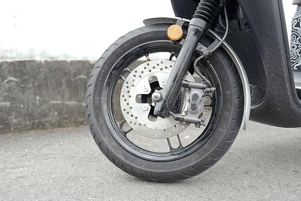 gozilla-狗吉拉-gogoro-s2-cafe-racer-delight-平面鋁合金踏板-車牌框-手機架-補助-價格-66.jpg