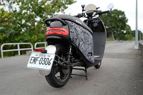gozilla-狗吉拉-gogoro-s2-cafe-racer-delight-平面鋁合金踏板-車牌框-手機架-補助-價格-74.jpg
