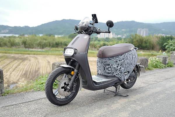 gozilla-狗吉拉-gogoro-s2-cafe-racer-delight-平面鋁合金踏板-車牌框-手機架-補助-價格-83.jpg