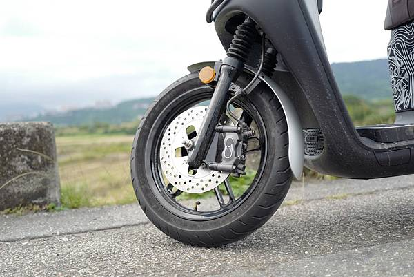 gozilla-狗吉拉-gogoro-s2-cafe-racer-delight-平面鋁合金踏板-車牌框-手機架-補助-價格-88.jpg