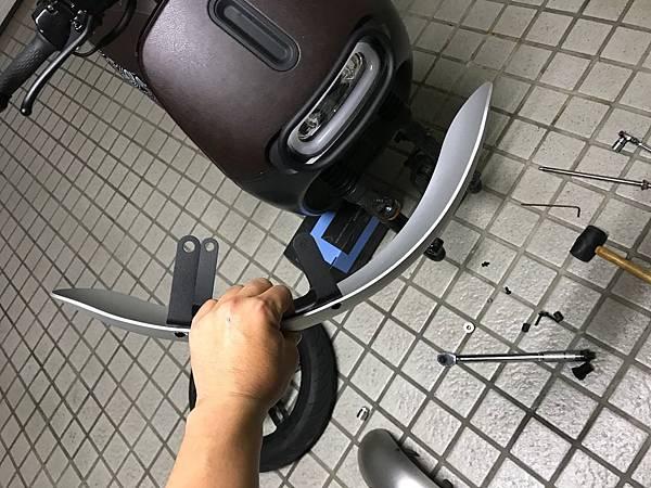 gozilla-狗吉拉-gogoro-s2-cafe-racer-delight-平面鋁合金踏板-車牌框-手機架-補助-價格-15.jpg