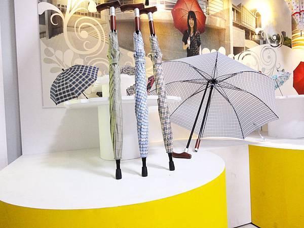 可抽取式藏杖兩用傘
