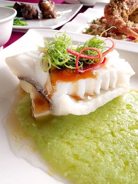 清蒸鱈魚佐豌豆泥