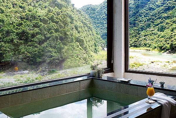 豪華景觀湯池