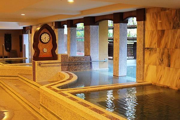 一樓羅馬池