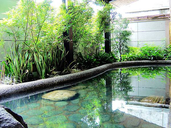 山泉大飯店 - 男湯半露天池 Sun Spring Resort-Hot Springs Pools