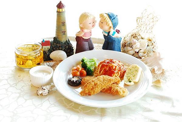 莫比迪餐廳提供各式精緻餐點,用餐同時還可遠眺太平洋美景