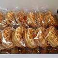 1222蘇小姐捐贈小鬆餅30個.jpg
